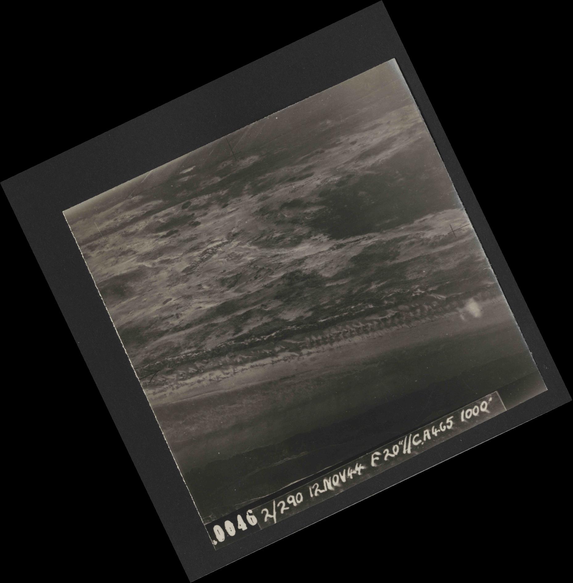 Collection RAF aerial photos 1940-1945 - flight 554, run 01, photo 0046