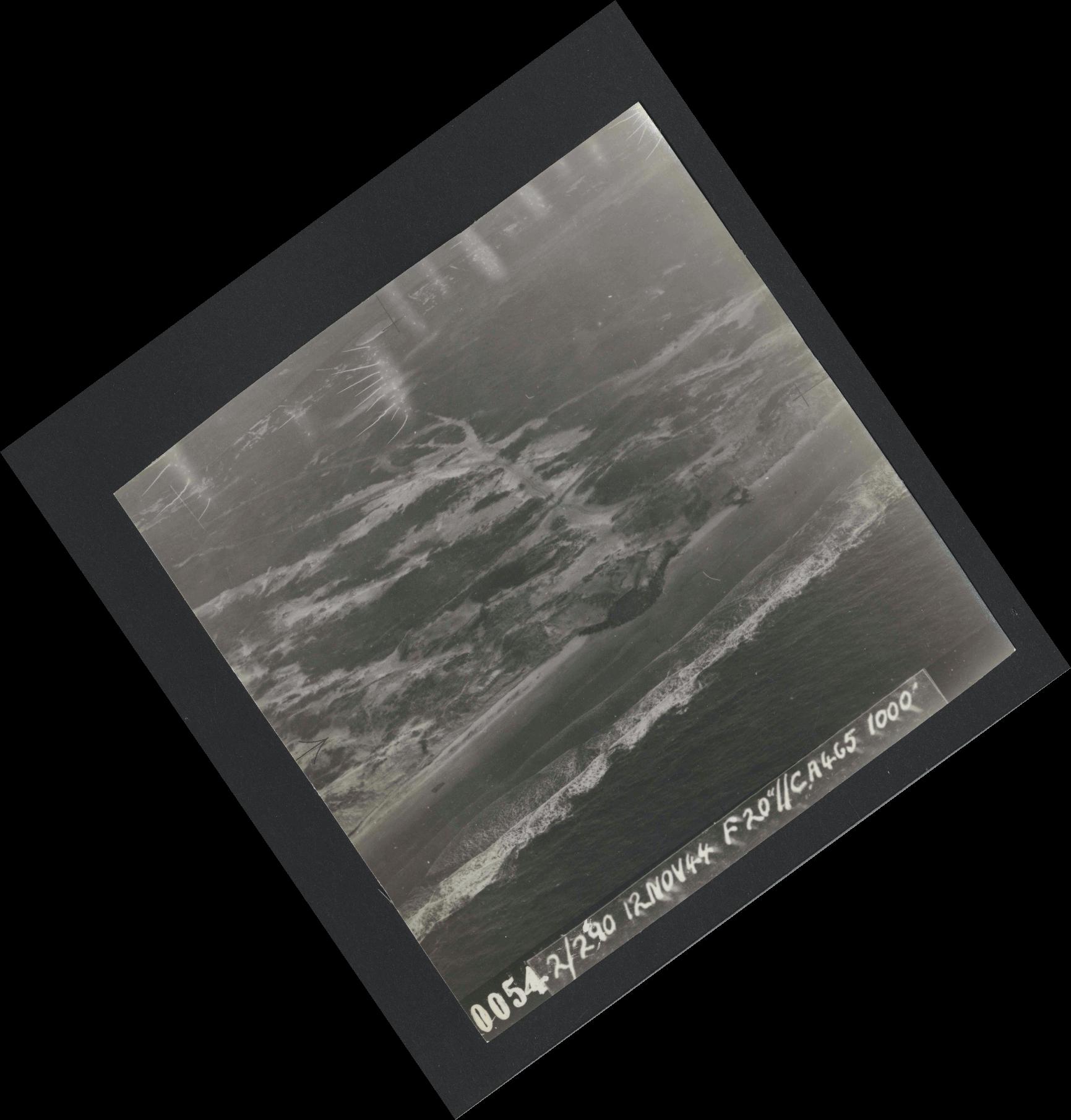 Collection RAF aerial photos 1940-1945 - flight 554, run 01, photo 0054