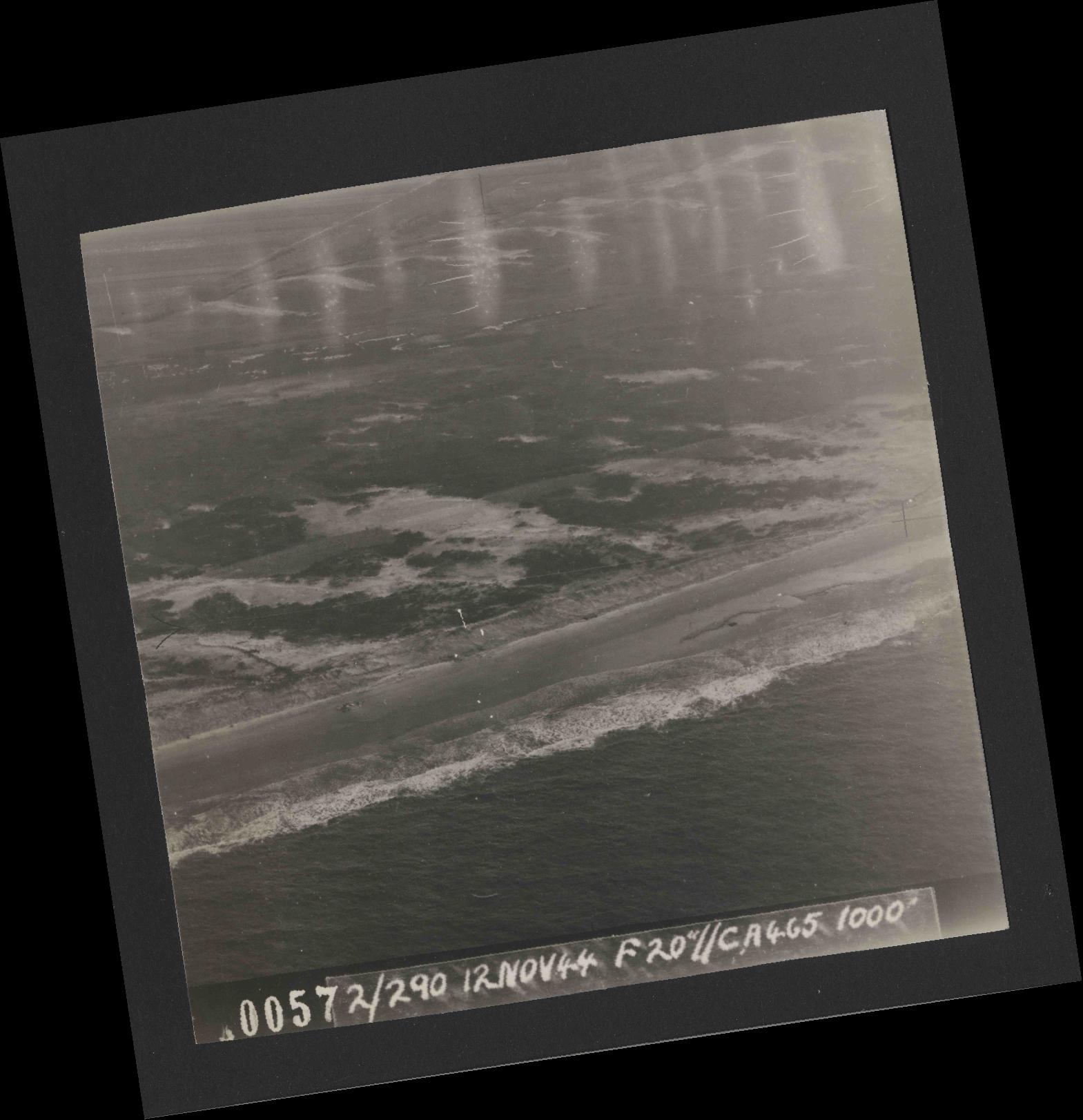 Collection RAF aerial photos 1940-1945 - flight 554, run 01, photo 0057
