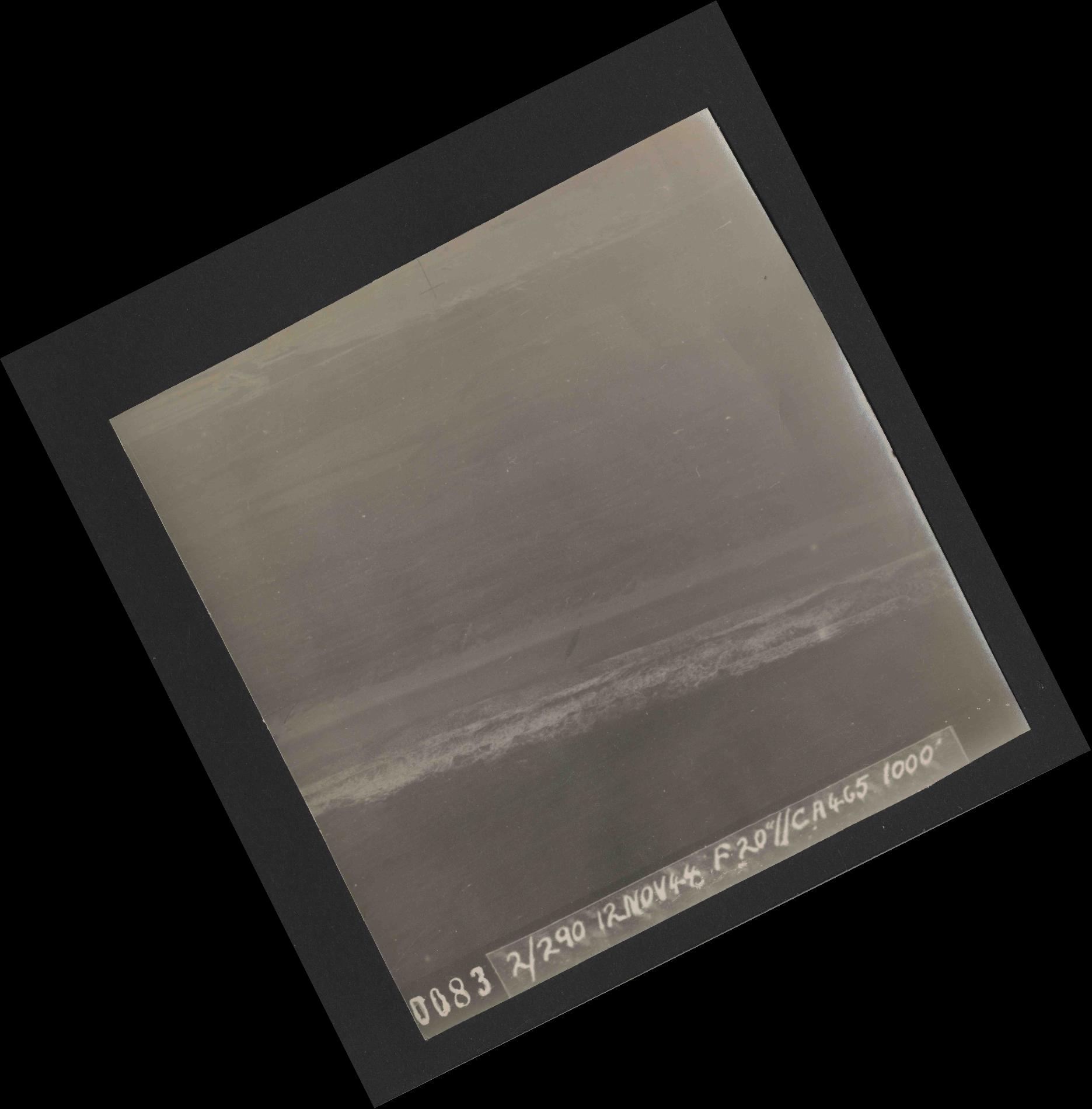 Collection RAF aerial photos 1940-1945 - flight 554, run 01, photo 0083