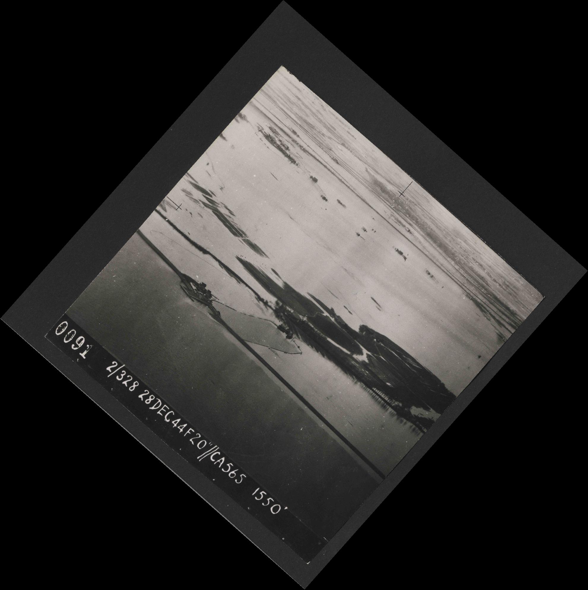 Collection RAF aerial photos 1940-1945 - flight 556, run 01, photo 0091
